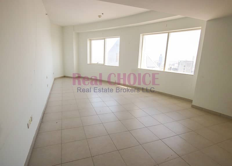 14 Payable in 4 Cheques|Near Metro Station|Huge 3BR