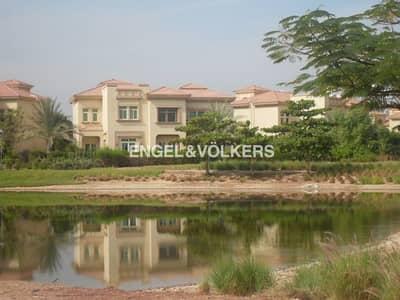 فیلا 4 غرفة نوم للبيع في جزر جميرا، دبي - Lake View   Upgraded villa   Large Plot