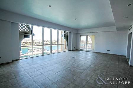 3 Bedroom Apartment for Sale in Palm Jumeirah, Dubai - 3 Bed + Maid | Sea and Atlantis Views | Vacant