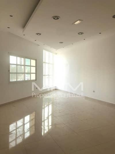 فيلا تجارية 7 غرفة نوم للايجار في المشرف، أبوظبي - Spacious Commercial Villa for Commervcial Use