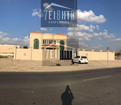 فیلا 5 غرفة نوم للايجار في القصيص، دبي - 5 b/r spectacular high quality luxury brand new very spacious villa with good finishing + maids room