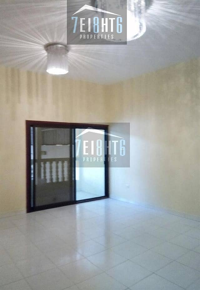 10 Spacious: 6-7 b/r indep well maintained villa with living rooms