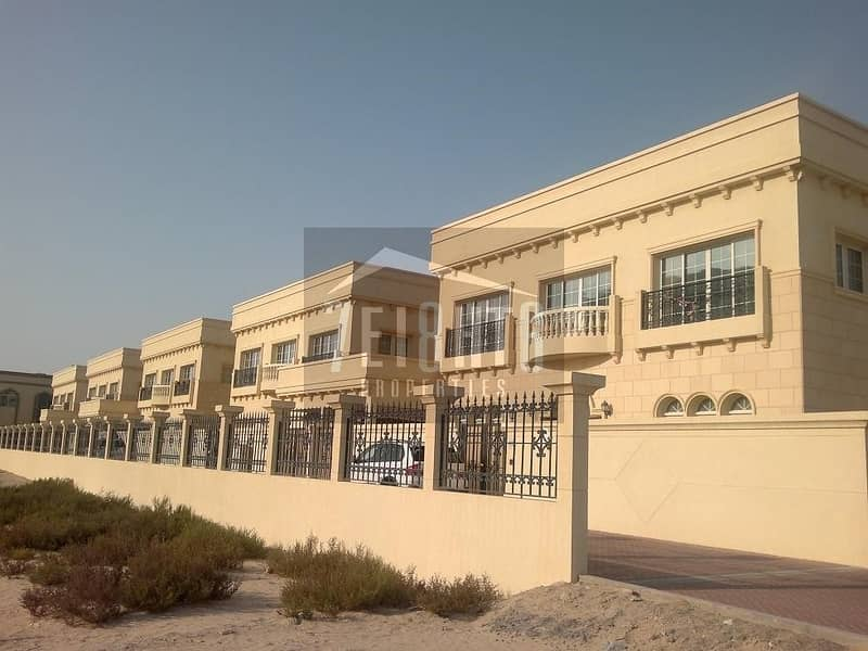 5 b/r elegant good quality villa with excellent finishing and marble flooring