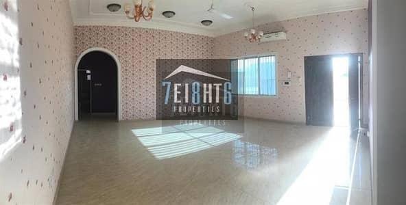 فیلا 3 غرف نوم للايجار في القوز، دبي - Beautifully presented: 3 b/r ground floor bungalow type villa