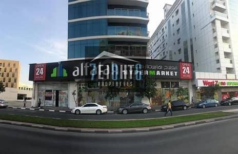 محل تجاري  للايجار في بر دبي، دبي - Showroom: 11