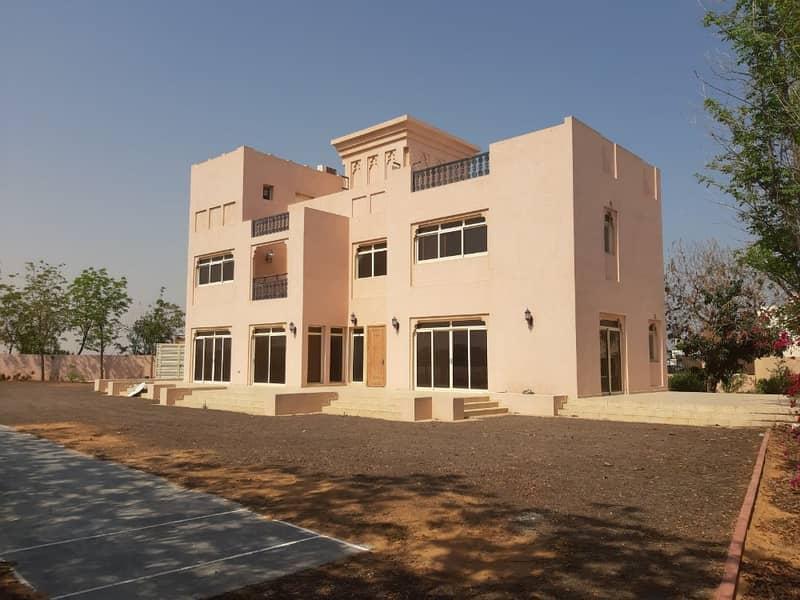 FOR SALE 5 BDR Villa with corner plot  Al Hamra Village