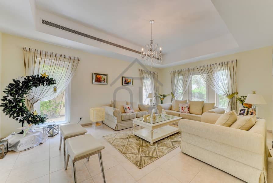 2 Stunning 4BR Villa   Immaculate Condition