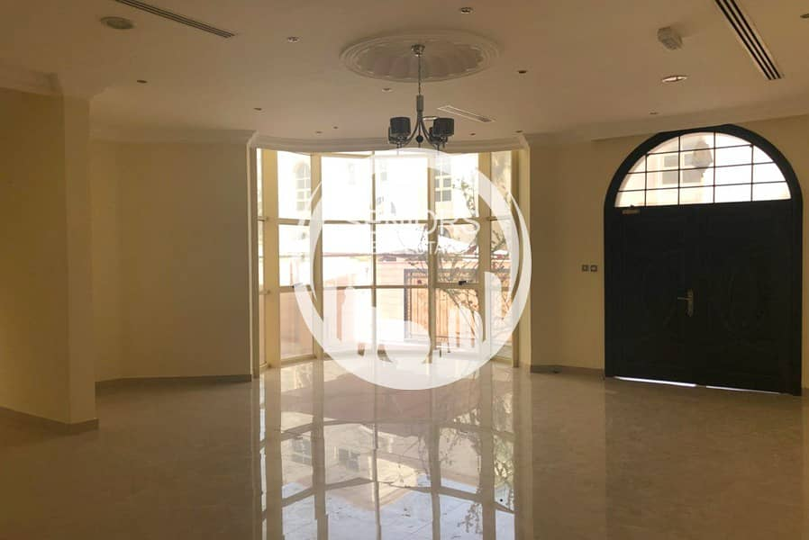 5 Bedroom w/ private swimming pool in MBZ
