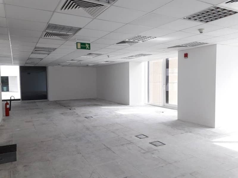 No commission, premium office with view over Sheikh Zayed Road Skyline