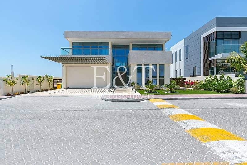 10  contemporary designed luxury villa