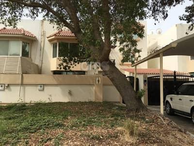 فیلا 6 غرفة نوم للايجار في الكرامة، أبوظبي - Spacious 6 bed villa in desirable Karama area