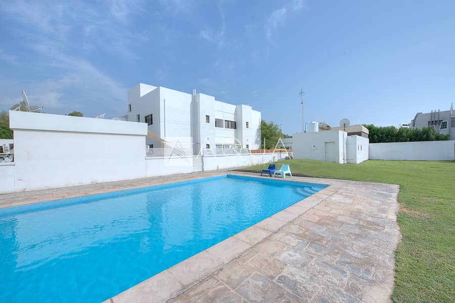 20 Fully renovated 4 bedroom villa with garden