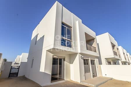 4 Bedroom Townhouse for Rent in Town Square, Dubai - Ready To Move In | Close To Pool and Park