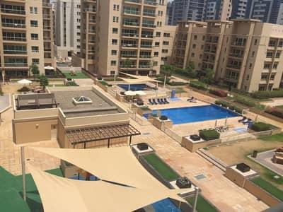شقة 2 غرفة نوم للايجار في الروضة، دبي - 2bed +study in Greens for 100k