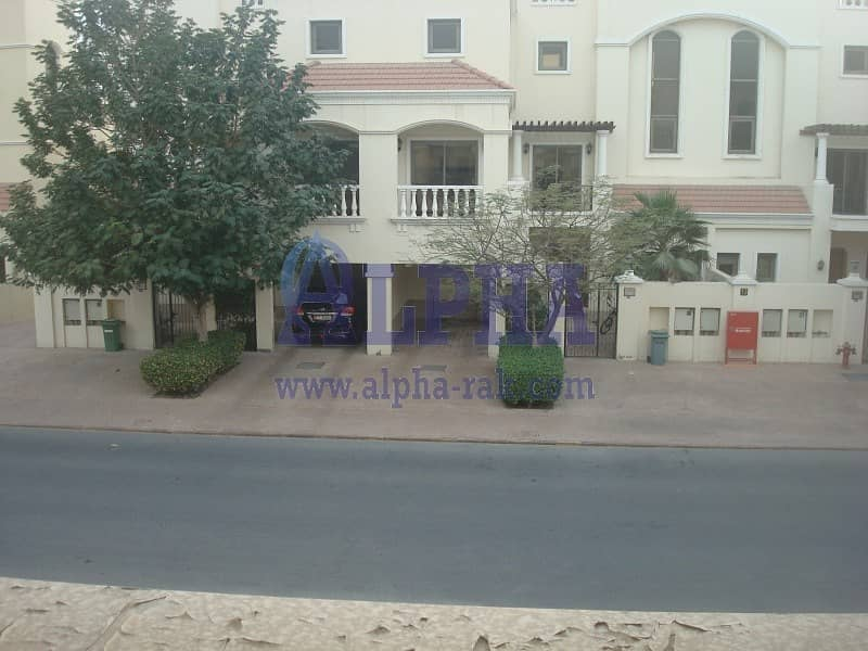 18 Sophisticated View | 2 Bedrooms Townhouse | Unfurnished