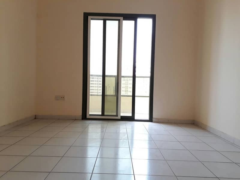 Wooow 1bhk with balcony rent 25k only in 6chqs with 20 days free