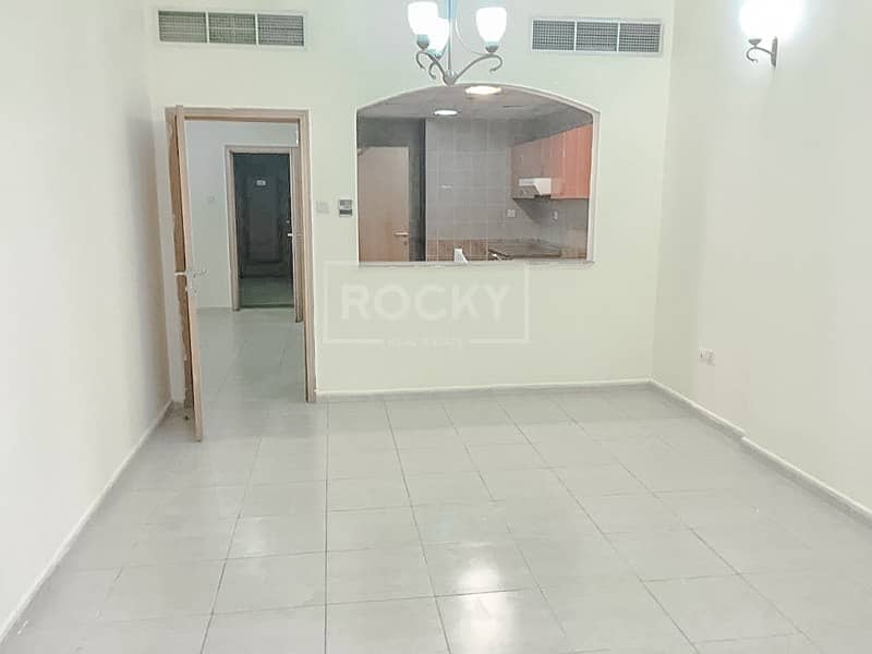 2 Spacious and Well-Maintained 1-Bed in Silicon Oasis