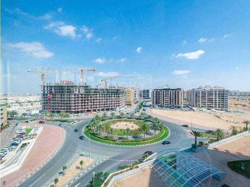 10 Spacious and Well-Maintained 1-Bed in Silicon Oasis