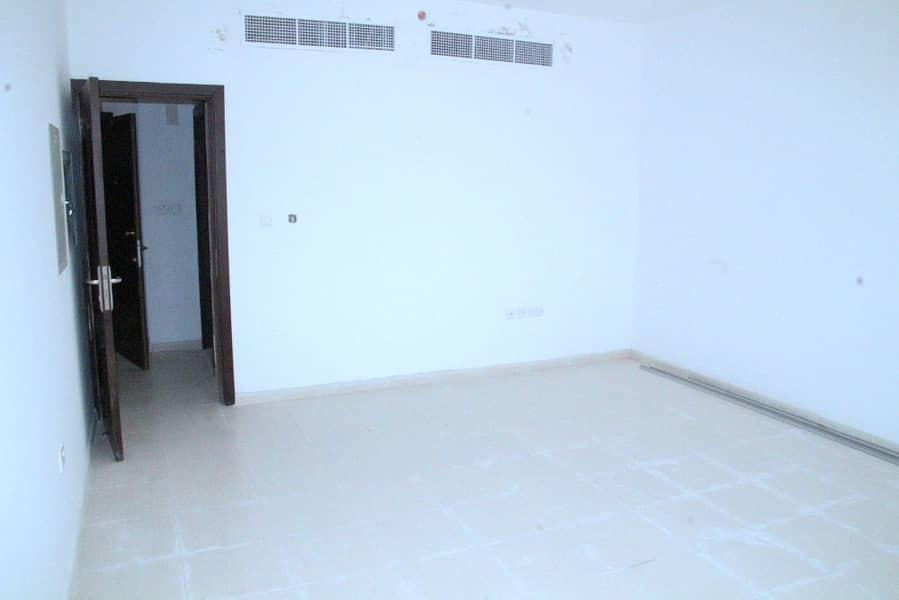 شقة في شارع الدفاع 1 غرف 50000 درهم - 4079503