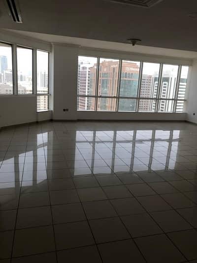 فلیٹ 3 غرفة نوم للايجار في منطقة الكورنيش، أبوظبي - شقة في منطقة الكورنيش 3 غرف 125000 درهم - 4080953