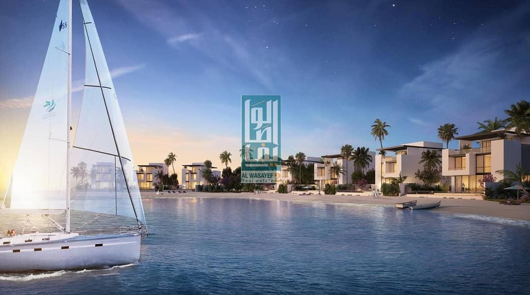 2 Dream beachfront home | great Lifetime investment...