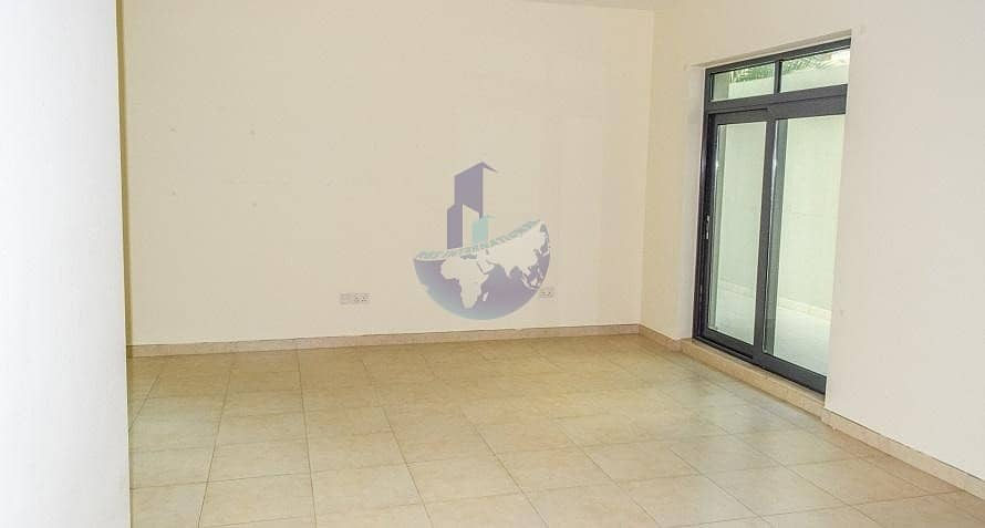 Furnished 2 Bedroom Apartment with Community View