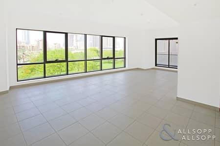 2 Bedroom Flat for Sale in Downtown Dubai, Dubai - Vacant | Burj Khalifa View | Two Bedroom