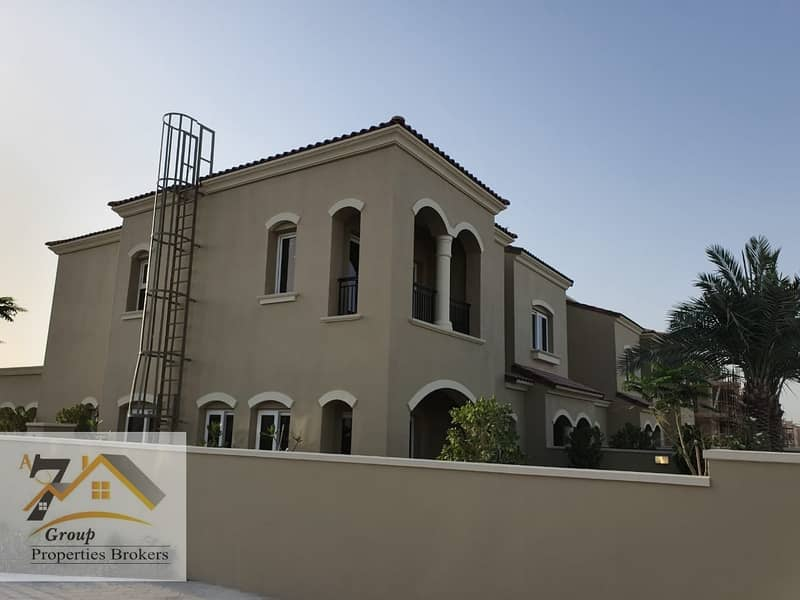 2 Corner Singal Row ! 3 to 4 Bed room townhouses 6 years payment plan.