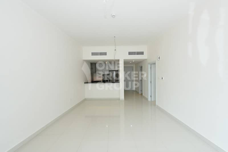 2 Exclusive |Brand New |Mid floor |Vacant
