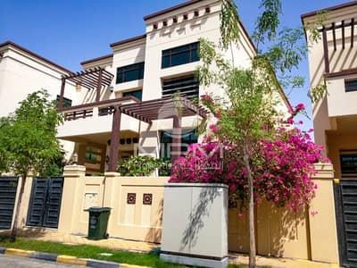 فیلا 5 غرفة نوم للايجار في المقطع، أبوظبي - Spacious 5 Bedroom Villa in Hills compound