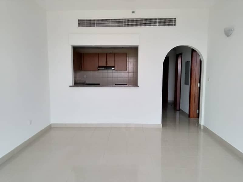 1BHK Apartment Facing Golf View with Laundry Place In Higher Floor