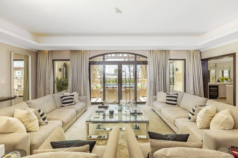 2 EXCLUSIVE - Beautifully designed luxury home on golf course