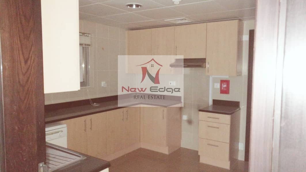 2 VACANT SOON GOOD LAYOUT 2 BD IN SKY TOWER