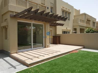 فیلا 4 غرفة نوم للبيع في البحيرات، دبي - FULLY UPGRADED 4 BED+MAID VILLA ON THE LAKES