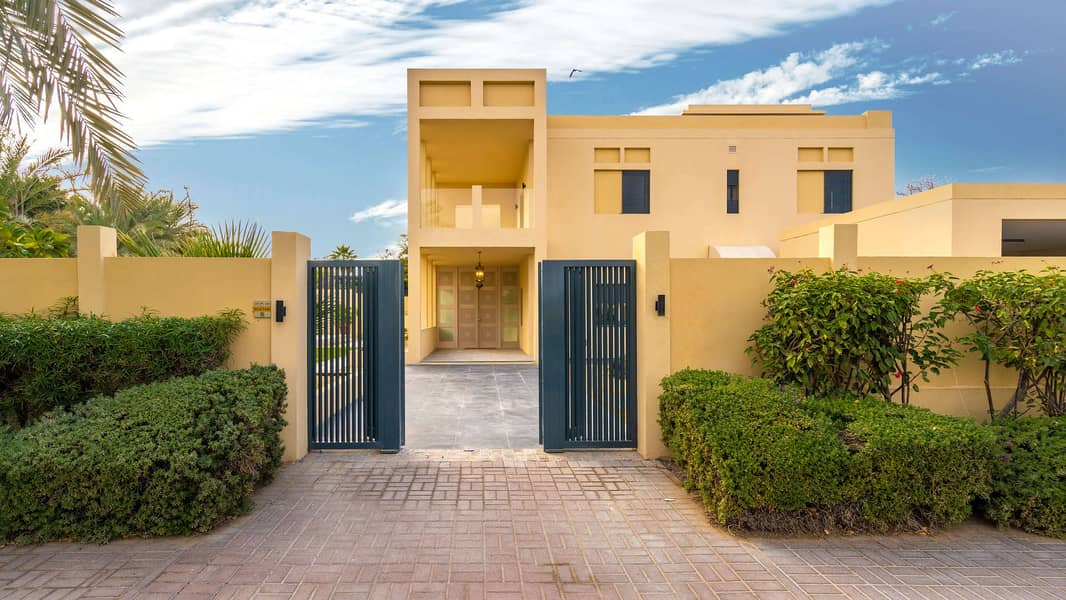 2 Exquisite Family Home In Emirates Hills