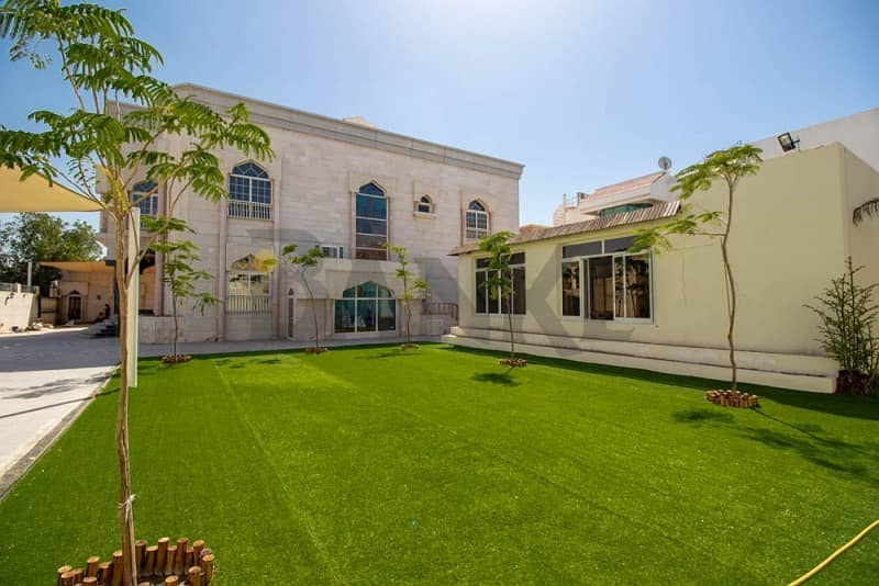 2 Bright and spacious Independent Villa with Pool