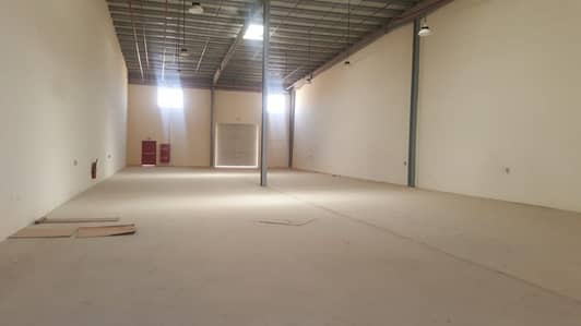 Brand new 6700 Sq Ft warehouse with 60 KV electricity @ AED 125,000 in Umml al Quin