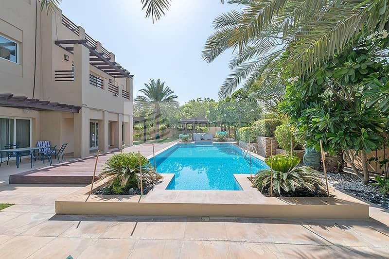 2 Beautifully Upgraded   5BR+M Villa   Large Pool