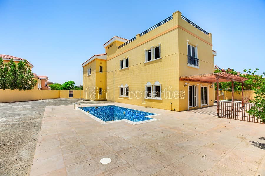 2 Spacious Private  |  Large Garden | Pool
