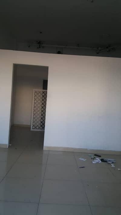 محل تجاري  للايجار في المدينة العالمية، دبي - محل تجاري في طراز المغرب المدينة العالمية 30000 درهم - 4075822