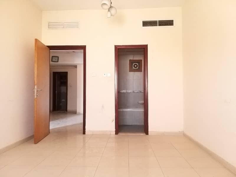 شقة في ابو شغارة 2 غرف 32000 درهم - 4075358