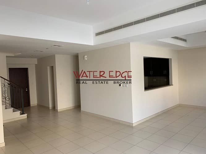 Amazing offer ! End unit in Mira Near to Pool and park