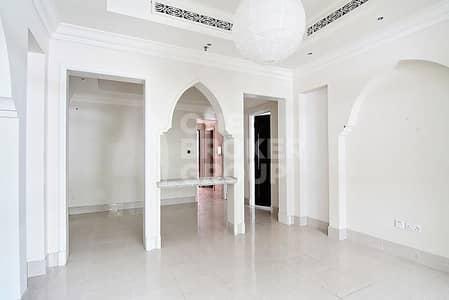 شقة 2 غرفة نوم للايجار في المدينة القديمة، دبي - Private Garden   Great layout   Access to the Mall