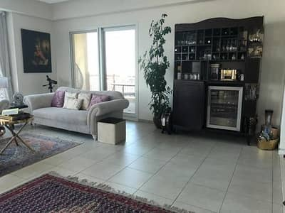 3 Bedroom Flat for Sale in Palm Jumeirah, Dubai - Marina Apartments 5 - 3 BR  Living