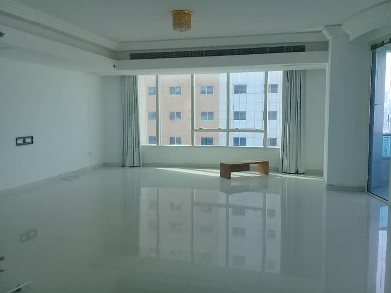 شقة في المجاز 3 المجاز 3 غرف 1900000 درهم - 4095686