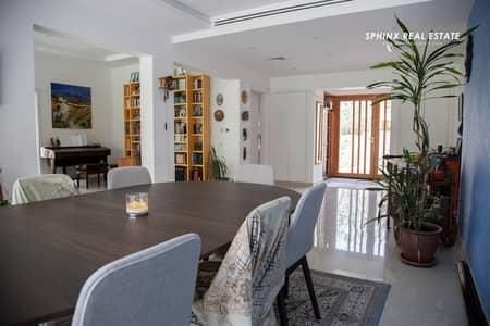 فیلا 5 غرفة نوم للبيع في البحيرات، دبي - 5BR+maid upgraded villa Rare 16 type at Maeen Lakes