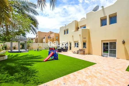 5 Bedroom Villa for Rent in Arabian Ranches, Dubai - Artificial grass | Type 15 | Wooden flooring | Aug