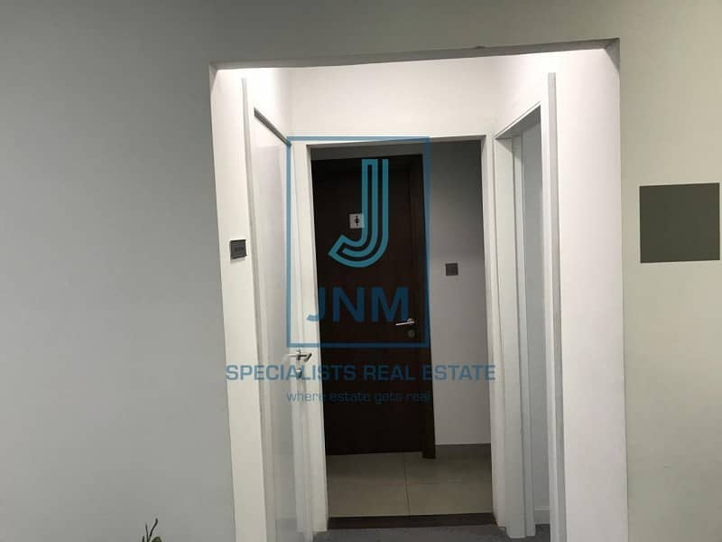 2 Fitted office/close to Dubai metro station