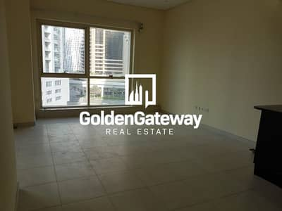 Studio for Sale in Dubai Marina, Dubai - Distress Deal! Studio in Royal Oceanic Dubai Marina