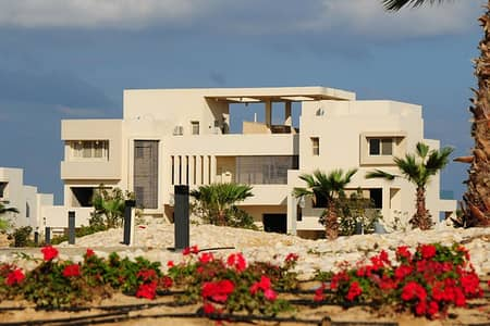 5 Bedroom Villa for Sale in Al Suyoh, Sharjah - PAY 270 K AND PAY THE REST ON 5 YEARS AND OWN VILLA LIKE PALACE IN SHARJAH